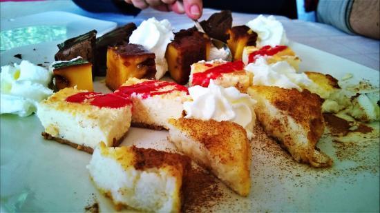 Restaurante El Cortijo Pizzeria y Braseria: Postre variado. Genial la tarta de queso