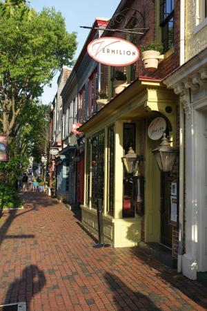 Hampton Inn Alexandria - Old Town/King Street Metro : Ein paar Schritte entfernt