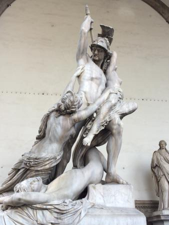 Soggiorno Antica Torre: Marvelous marble statu