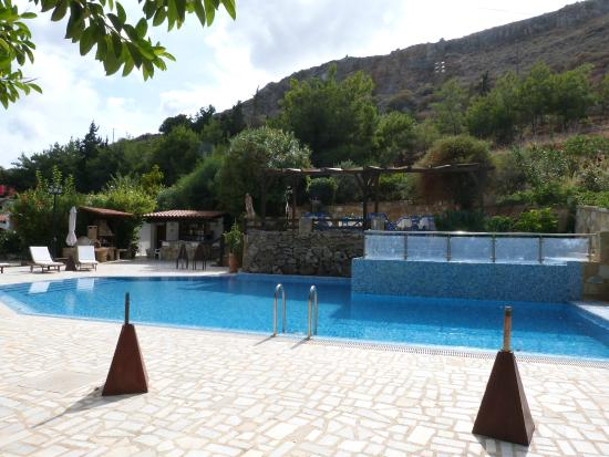 Vista del Mar Bungalows : Beautiful pool. Bar & restaurant in summer