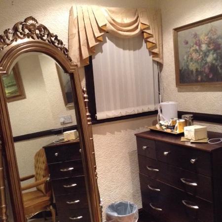 Graydon Hotel : my dressing room