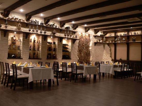 Classy restaurant picture of la cascade restaurant for Restaurant la cascade