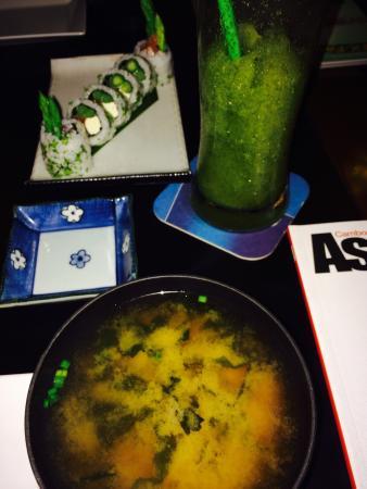 Metro Rahu: Miso soup, sushi and lemon/mint frozen juice... All so delicious!