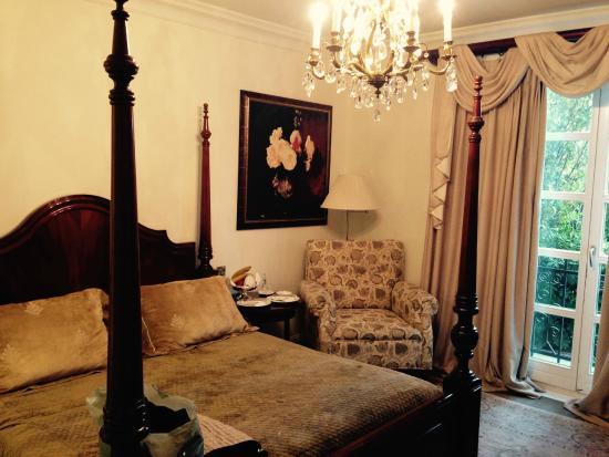 Pentelikon Hotel: vista de la habitación