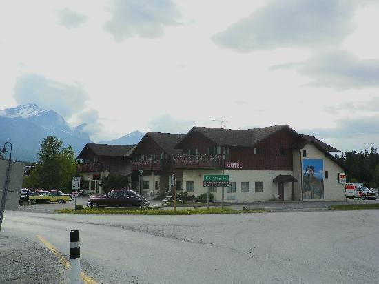 Big Horn Motel: big horn