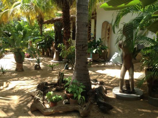 Villa Mozart y Macondo: habitación a lo lejos