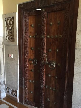 Pearl Palace Heritage - The Boutique Guesthouse: Door to Viceroy