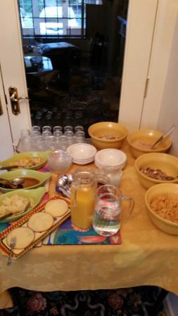 Roncalli House : Buffet colazione