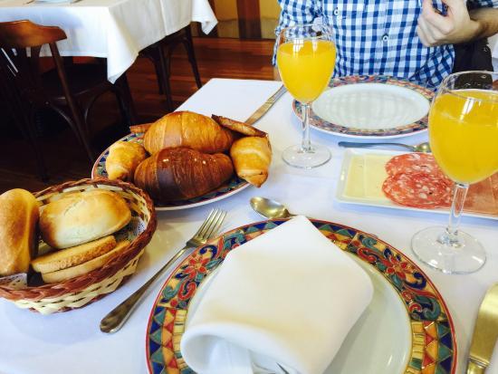 La Casa del Cofrade : Desayuno