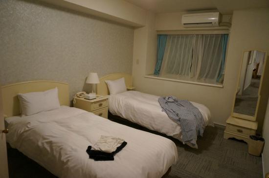 Hotel Village Izukogen : Western room