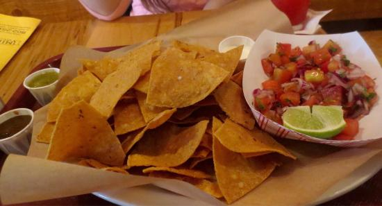 Milagros Mexican Kitchen : Fried to order chips and fresh salsa
