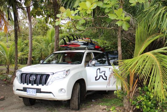 Kalon Surf - Surf Coaching Resort: Kalon vehicle down by the beach