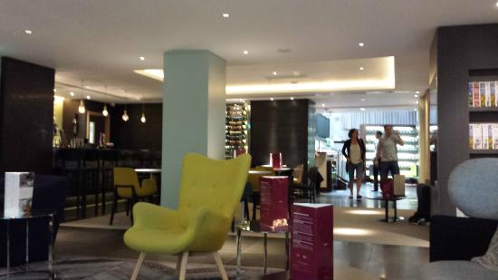 Mercure London Bridge: lobby