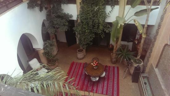 Riad Mur Akush: View of central area/dining area