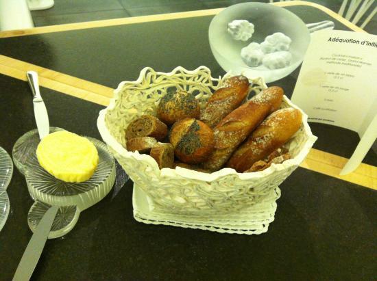 L'Amphitryon : pain maison, beurre