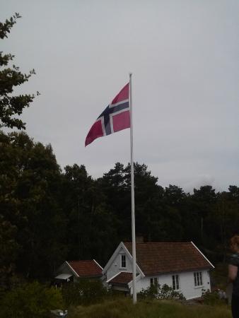 Odderoya: Flag