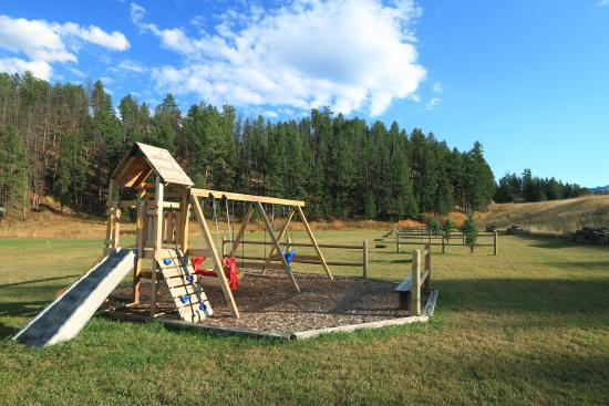 Whispering Winds Cottages: Playground