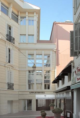 Cannes Croisette Prestige Apparthotel: Bâtiment rue des Gabres