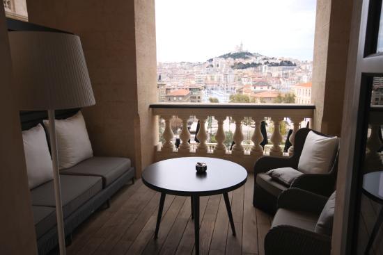 la terrasse de la chambre photo de intercontinental marseille hotel dieu marseille. Black Bedroom Furniture Sets. Home Design Ideas