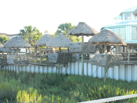 The Conch House Restaurant: cute tiki huts to have dinner in....very nice