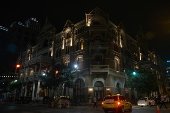 The Driskill: edificio di notte