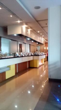 Portico Restaurant Hotel Sayaji Wakad Pune