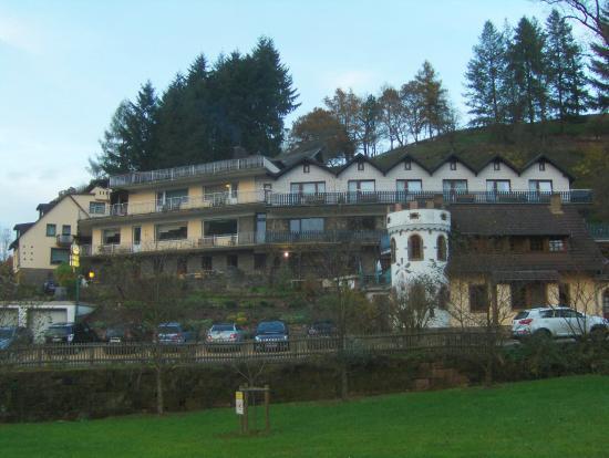 Hotel Haus Kylltal: Een zicht op het hotel
