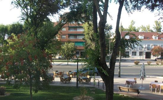 Hotel Jardín de Aranjuez: view from hotel room