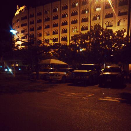 Dar es Salaam Serena Hotel: By night