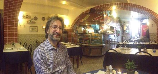 Flor Dos Arcos: Mio marito a tavola