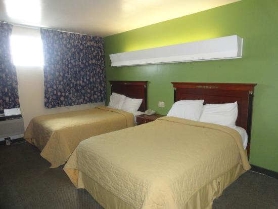 Chillicothe Inn : Room