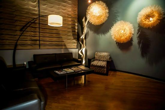 Happy Head Foot Reflexology and Massage - Downtown
