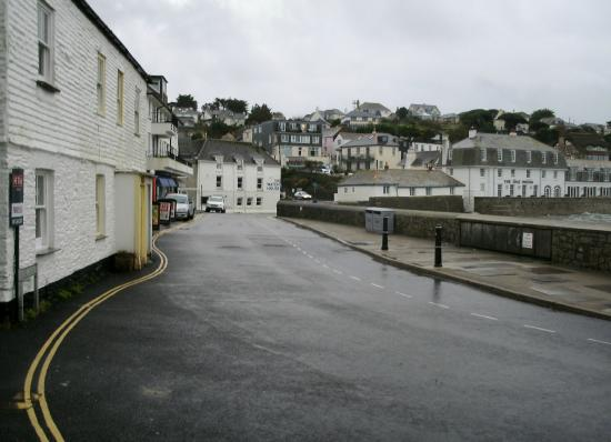 The Ship and Castle Hotel: Main rd through .