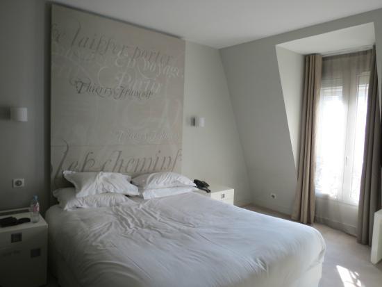 Hotel Chambellan Morgane : quarto moderno