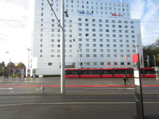 ibis budget Bern Expo: Tram stop with Hotel in the background