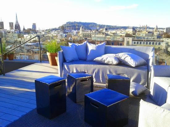 Yurbban trafalgar hotel desde barcelona espa a for Piscina trafalgar