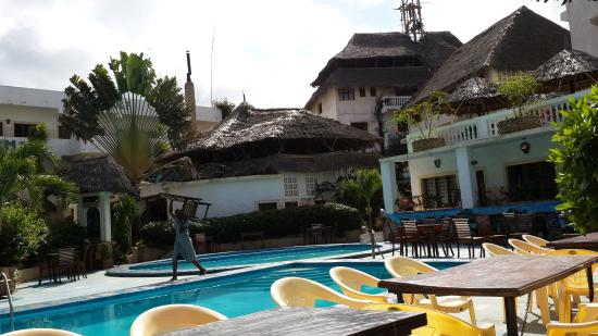 Malindi Breeze Point Hotel: nice view from the swimming pool
