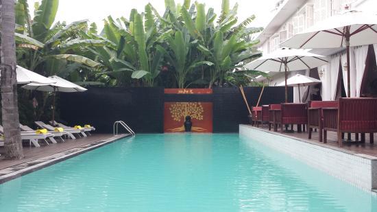 Maison Souvannaphoum Hotel: piscina.