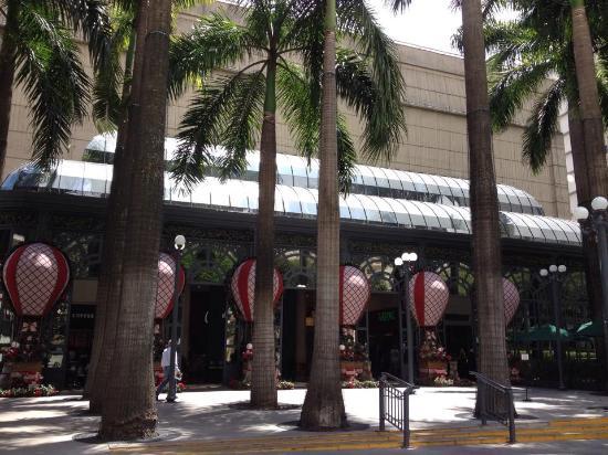 Shopping Patio Higienopolis: Entrada do Shopping.
