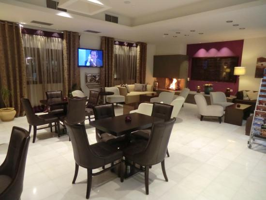 Arty Grand Hotel: Recepción