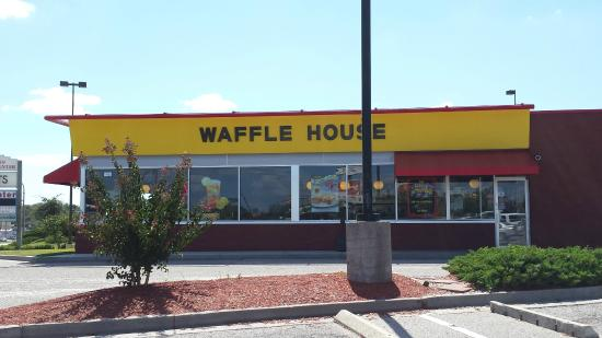 Waffle House The Outside
