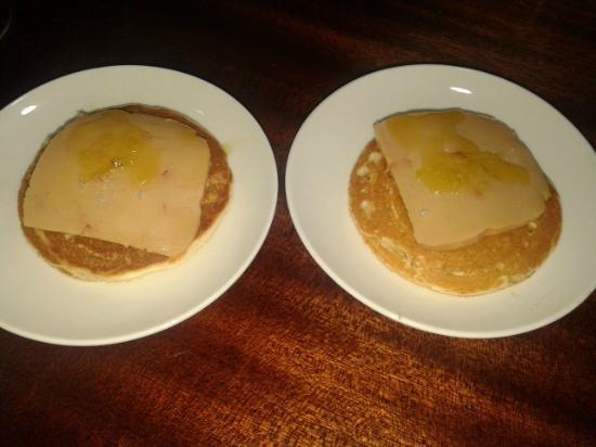 Los Caprichos de Meneses: blinisi de foie