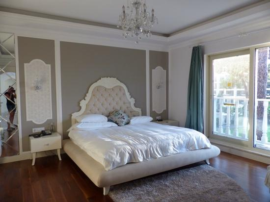 our bedroom in villa 3006