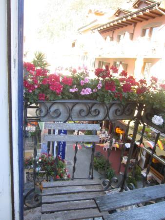 Hotel Blume: Balcony View