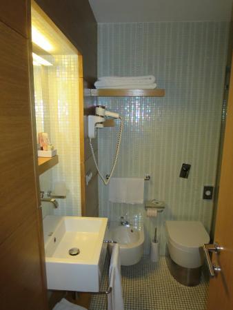 Hotel Novecento: Room 905 bathroom