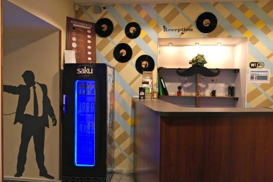 Zinc Old Town Hostel: reception