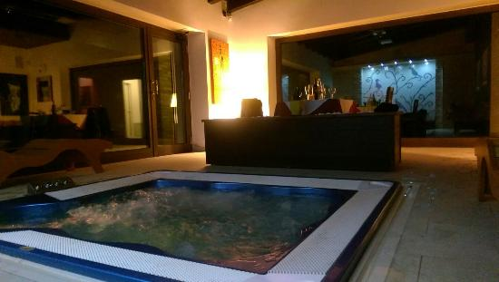 Colle Indaco Country House & Spa - Wellness: Cena bordo jacuzzi