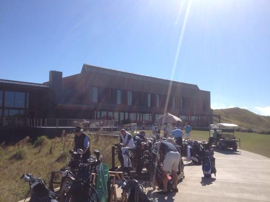 Streamsong Golf Clubhouse: Getting ready