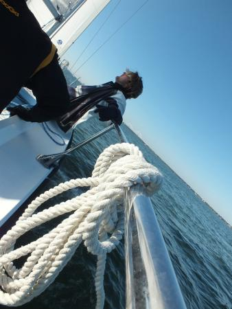 Ocean Sailing Academy : captain checking wind direction