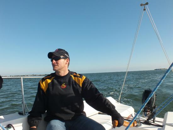 Ocean Sailing Academy : Husband steering the boat